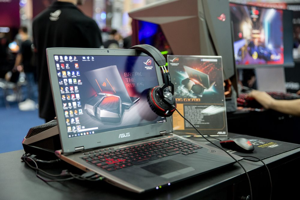 ROG GX700 la East European Comic Con 2016