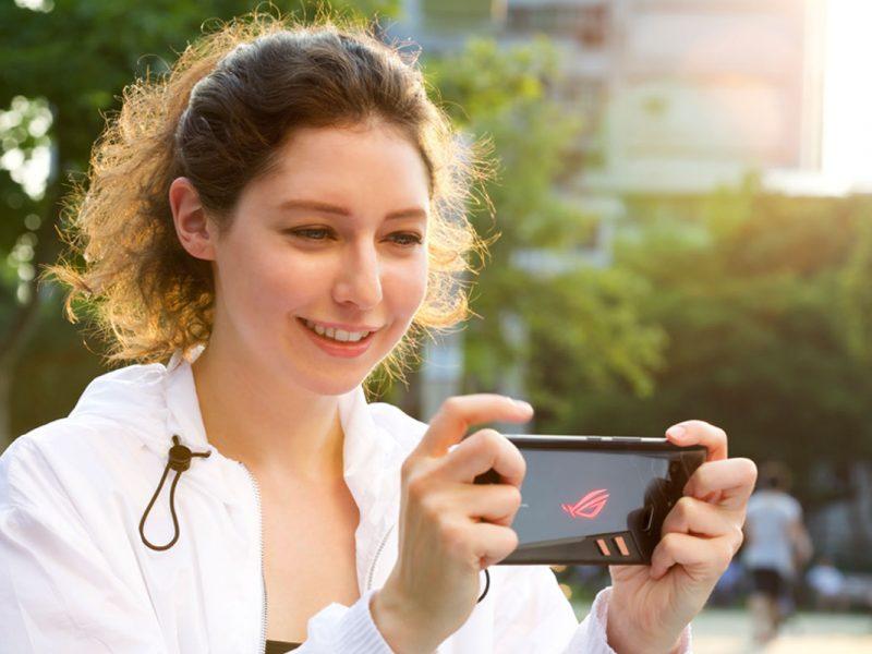Gaming mobil pe ROG Phone