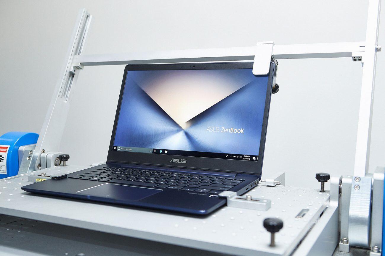 Testarea laptopurilor ASUS ZenBook