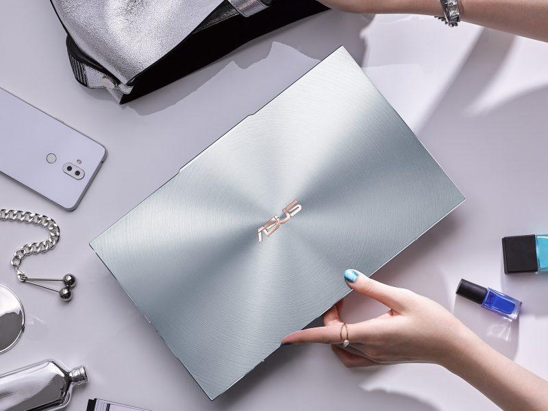 Notebook-ul ultra-compact ZenBook S13 UX392