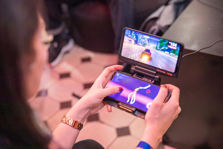 Telefonul de gaming ROG Phone II