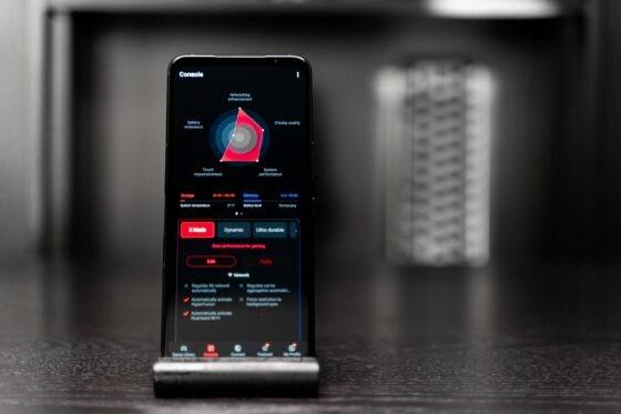 Telefonul ROG Phone 5 Phantom Black