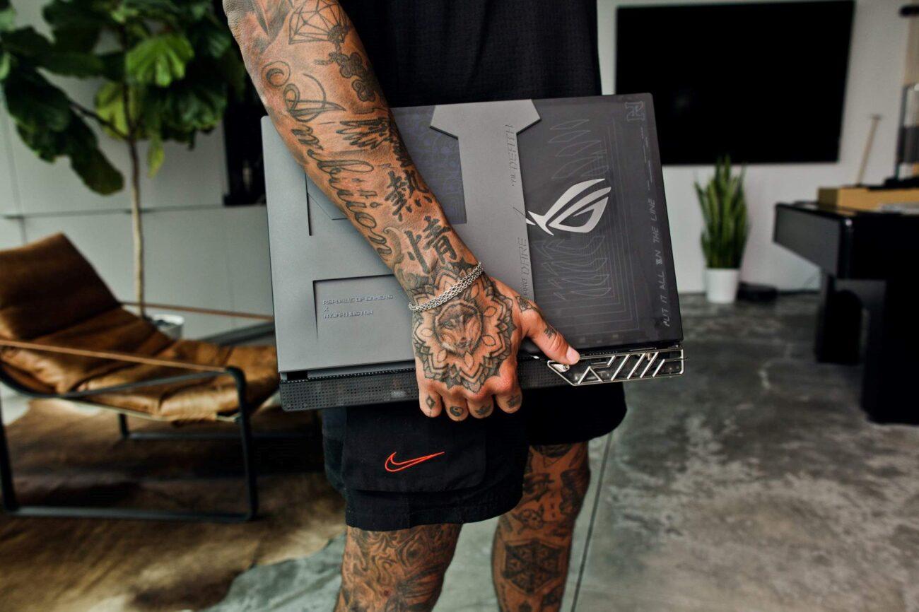 Laptopul special ROG Strix ediția Nyjah Huston