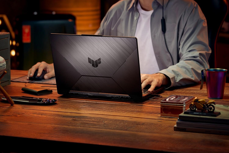 Laptop TUF Gaming F15 - generația 2021