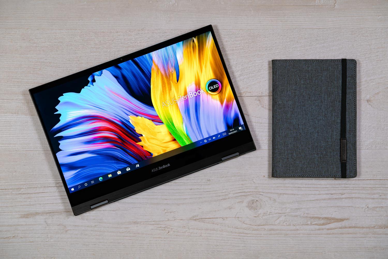 ZenBook Flip 13 OLED UX363 în modul tabletă